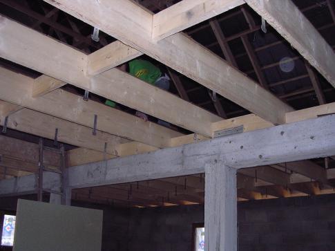 Pose de plancher bois - Faire un plancher bois dans un garage ...