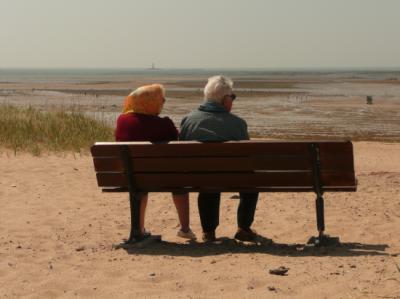 """""""Les amoureux assis sur les bancs public..."""""""