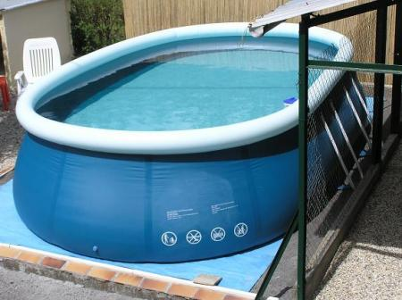 Plateforme pour piscine auto portante for Installer une piscine