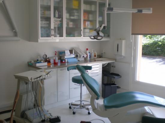 cabinet dentaire etude et realisation. Black Bedroom Furniture Sets. Home Design Ideas