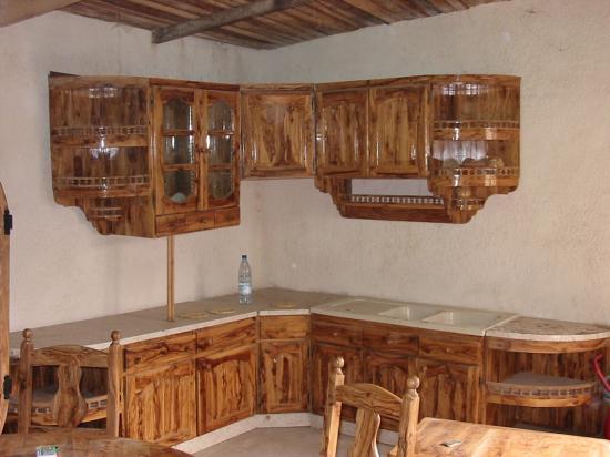 meuble en bois d'olivier