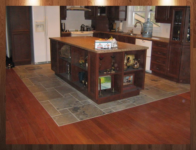 Installation plancher bois franc c ramique et r novation for Cuisine plancher bois