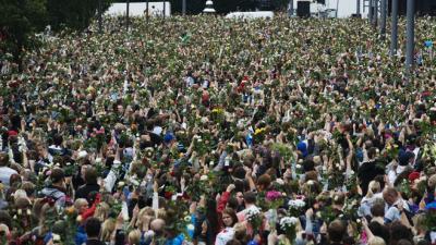 Norvège : gigantesque hommage aux victimes à Oslo