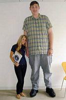Insolite : Igor Vovkovinskiy 2m34 ( Igor Ladan ) gigantisme