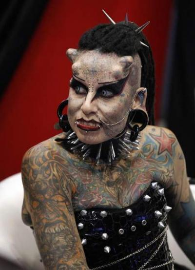 Insolite la femme vampire Maria Hose Cristena