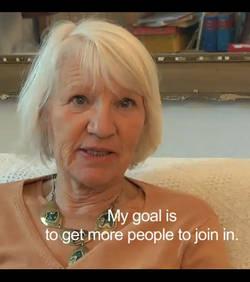 Elle vit sans utiliser d'argent depuis 15 ans