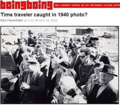 Un voyageur du temps sur une photo de 1940