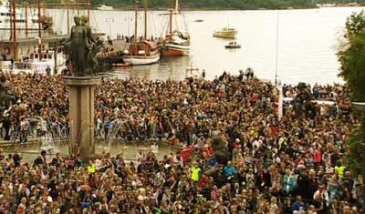 Oslo 150.000 personnes rende hommage aux victimes