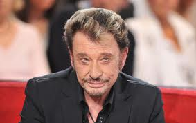 La guerre des sosies Gainsbourg poignarde Johnny