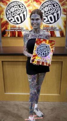 La femme la plus tatouée du monde ( Julia Gnuse )