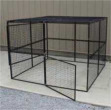 Ils gardaient leur fille prisonnière dans une cage
