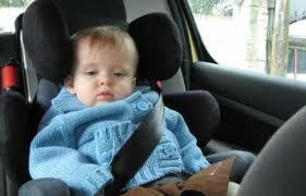Un papa oublie son bébé dans la  voiture