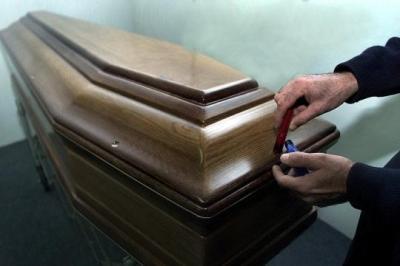 Un adolescent meurt de s'être trop masturbé