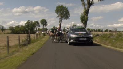 Accident spectaculaire sur le Tour de France