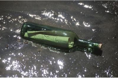 Une bouteille à la mer a été retrouvé 33 ans après
