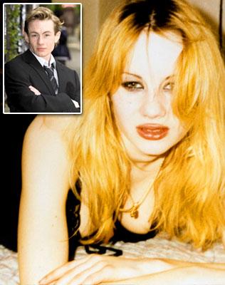Katherine Dalton à changer de sex ( Adrian )