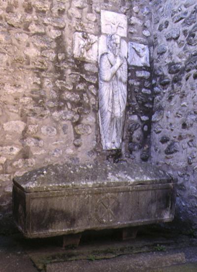 Le sarcophage qui se remplit et se vide ( Arles-sur-Tech )