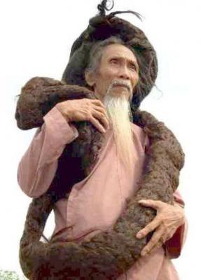 les plus long cheveux au monde ( Tran Van Hay )
