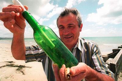 une incroyable histoire de bouteille à la mer 30 ans après