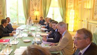Nicolas Sarkozy interrompt ses vacances pour une réunion à l'Elysée