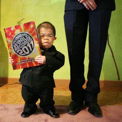Que pensez vous de l'homme le plus petit du monde 2011