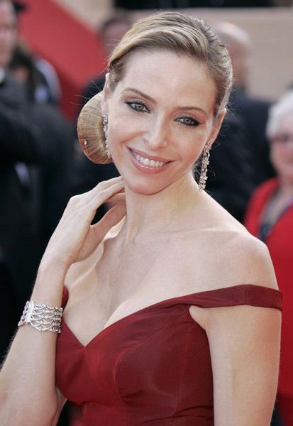 Tonya Kinzinger - Actress Wallpapers